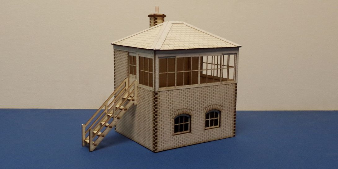 B 70-25L O gauge Small L&CR/LMS signal box - left stairs
