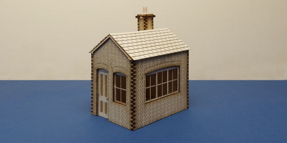S 70-01 O gauge small lineside office - version B