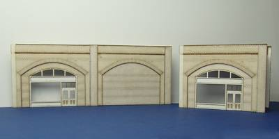 LCC A 00-03 OO gauge brick arch unit with shop