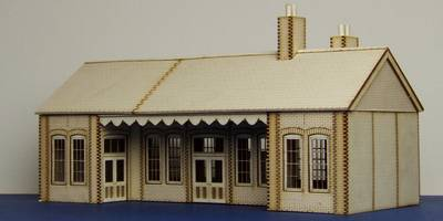 LCC B 00-04 Early 20th century country Railway Station type 2