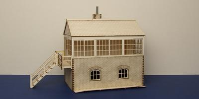 B 70-07L O gauge medium signal box - left stairs