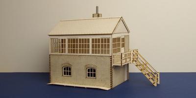B 70-07R O gauge medium signal box - right stairs
