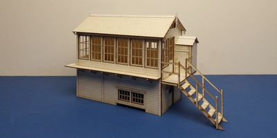 B 70-26R O gauge LNER signal box - right version