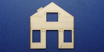 LCC 02-23 OO gauge two stories wall panel with windows and doors