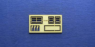 LCC 03-31 OO gauge medium signal box small balcony