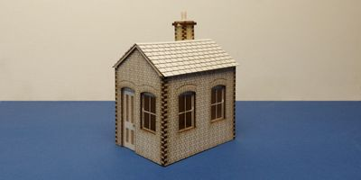 S 70-00 O gauge small lineside office - version A